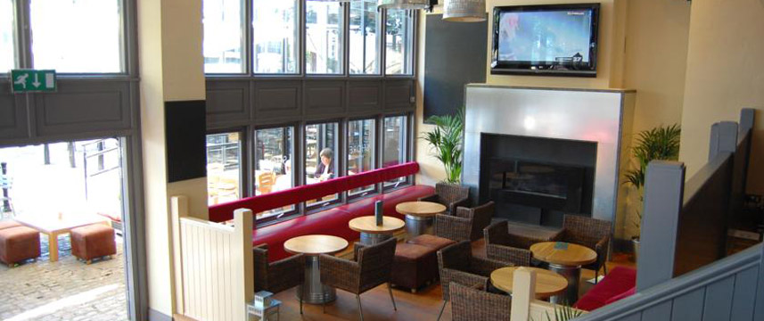 The Bristol Hotel - Lounge Area