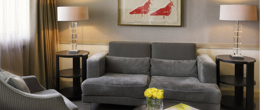 The Bristol Hotel - Suite Seating