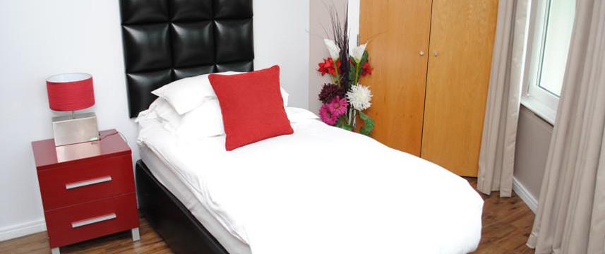The Royal Hotel Cardiff - Single Room
