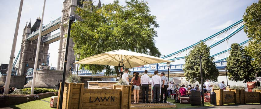 The Tower Hotel - Lawn Bar