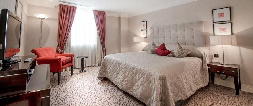 The Westbury Hotel - Deluxe Suite bed