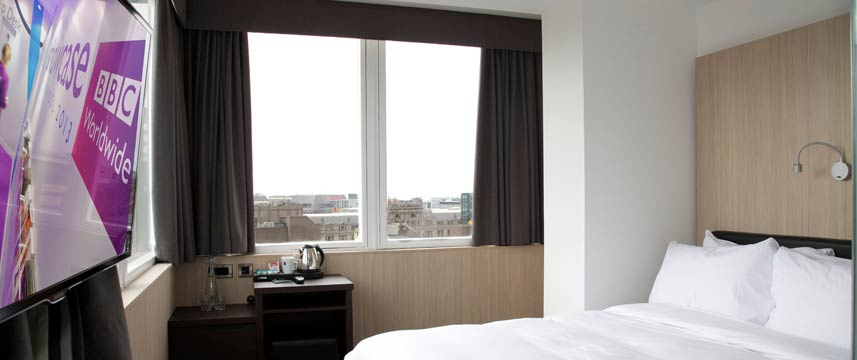 The Z Hotel Liverpool - Queen Bed Room