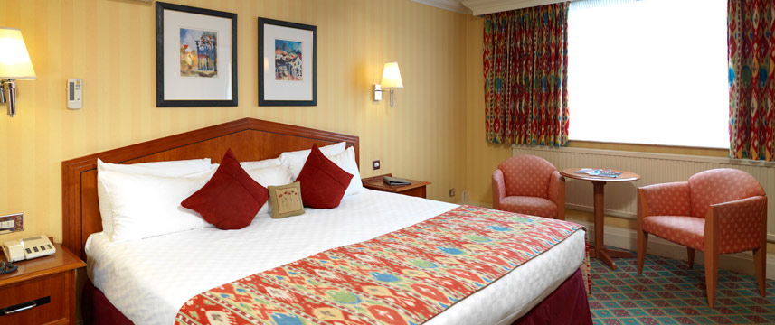 Thistle Barbican Deluxe King room