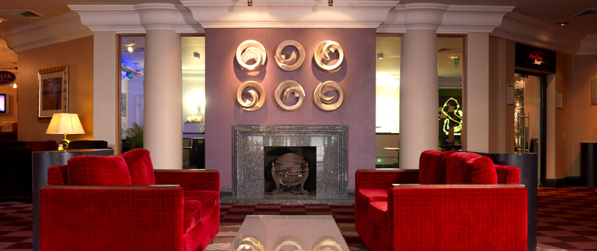 Thistle Brands Hatch - Lobby Seating