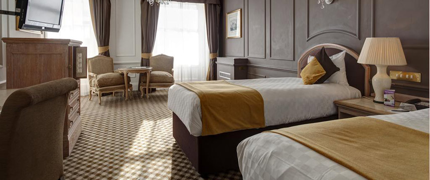 Thistle Hyde Park - Deluxe Twin Beds