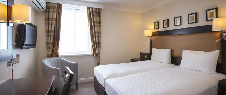 Thistle London Heathrow Deluxe Twin Room