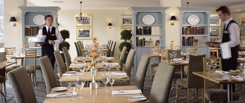 Thistle London Heathrow Tables