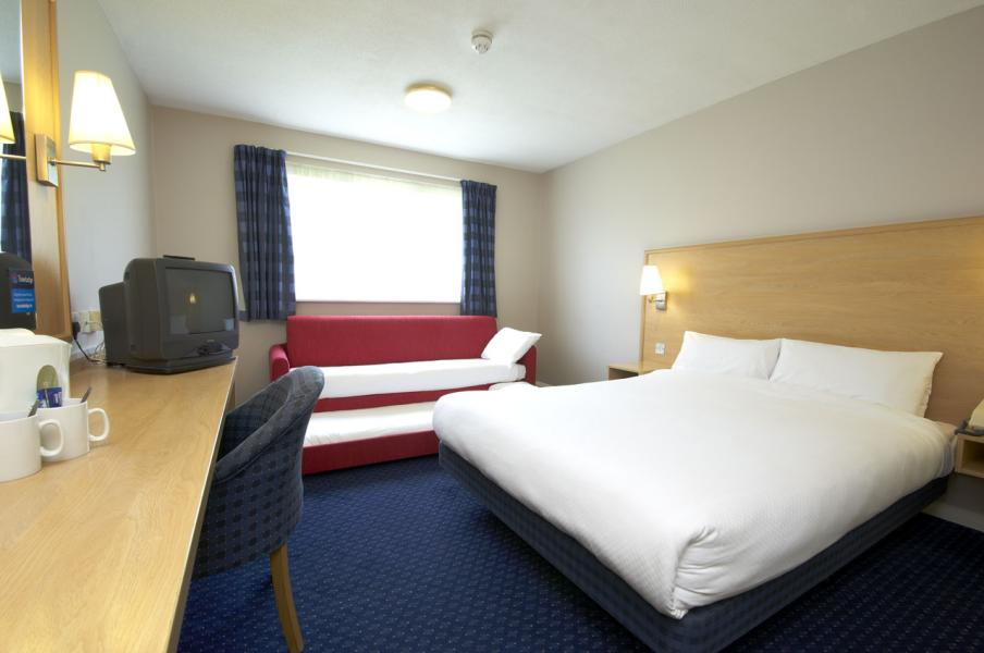 The rates at Travelodge depend on the demand for rooms and Travelodge recommends that you book well in advance to get the cheapest deal. While there may not be specific sales, as well as the vouchercloud deals you can take a look at super Saver rooms online to bag yourself a bargain stay.