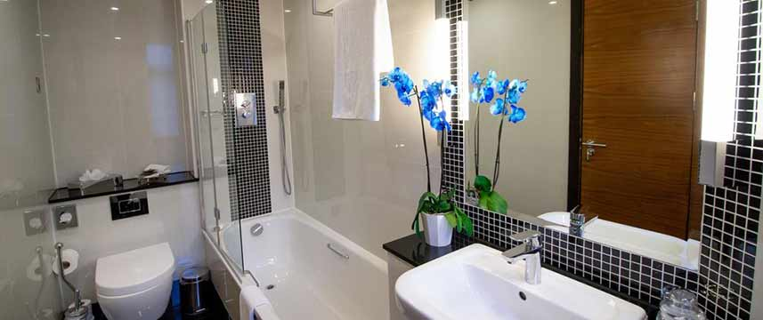 Wellington Hotel by Blue Orchid Bathroom