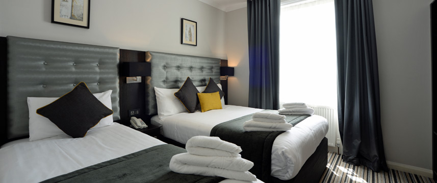Airways Hotel Victoria - Triple Beds
