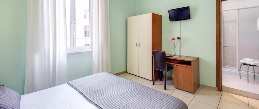 Alius Hotel - Bedroom Facilities
