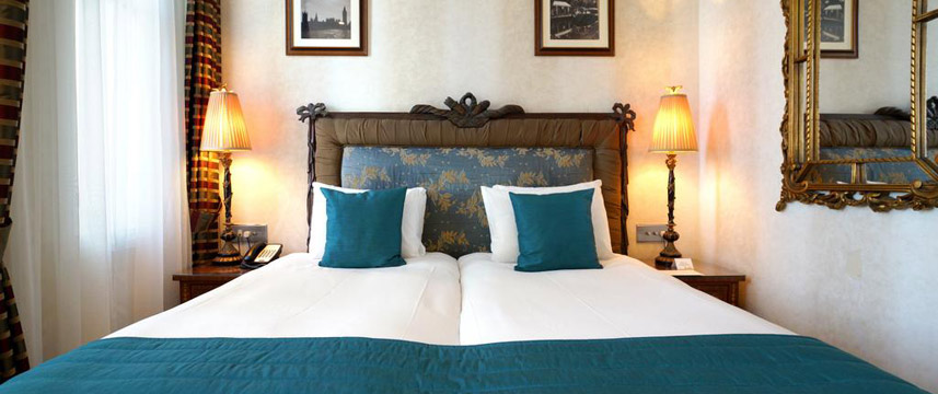 Ashburn Hotel - King Double Bed