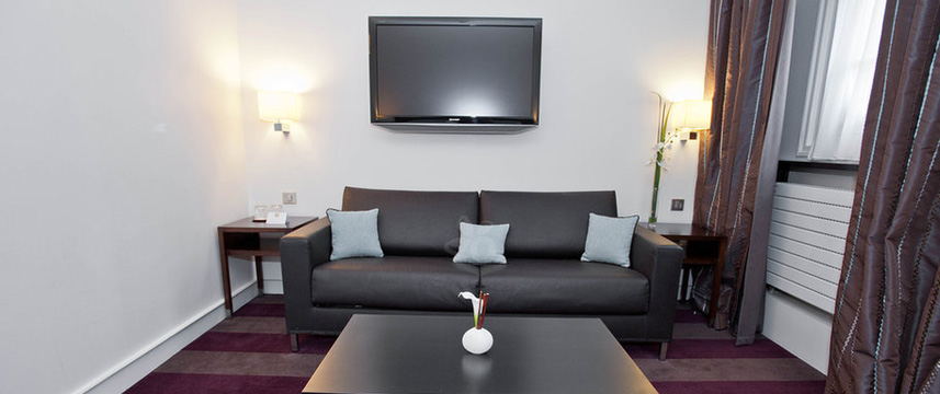 Astra Opera Executive Room Lounge