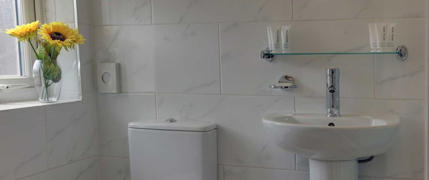 Best Western Greater London - Bathroom