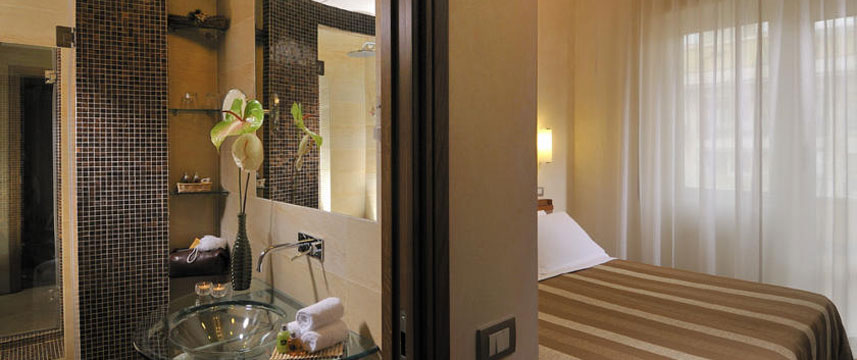 Best Western Hotel Piccadilly - Bedroom Bathroom
