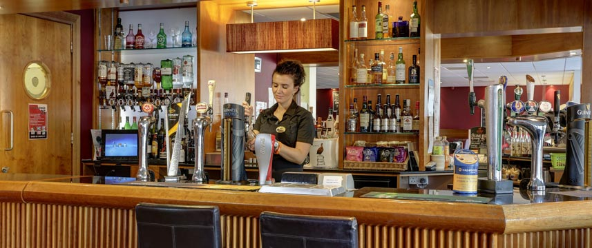 Best Western Kings Manor  Hotel Bar