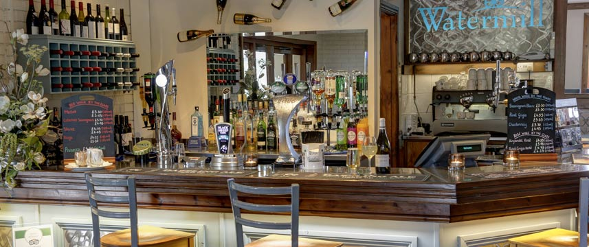 Best Western Plus Milford Hotel - Bar