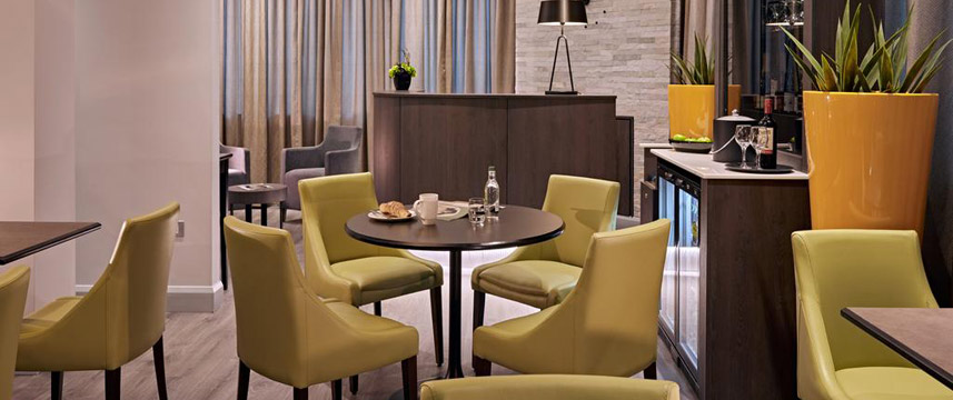 Best Western Plus Vauxhall Hotel - Lounge Area