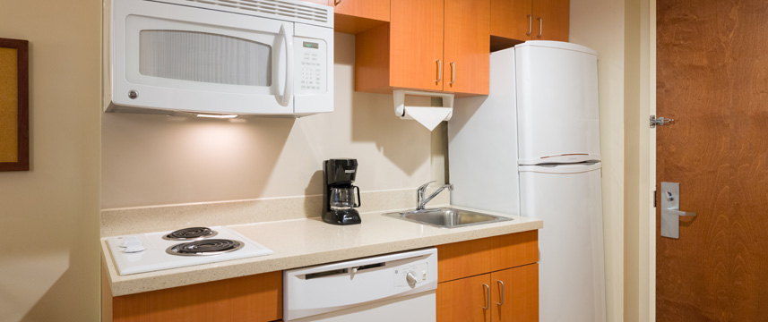 Candlewood Suites NYC Times Square - Kitchenette