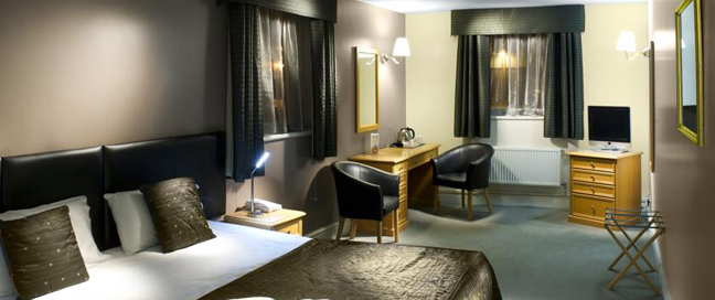 Chancellors Hotel and Conference Centre Suite Bedroom
