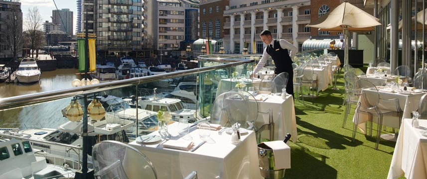 Chelsea Harbour Hotel - Terrace Tables
