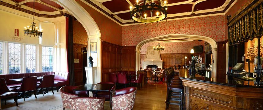 Clontarf Castle Hotel - The Knights Bar