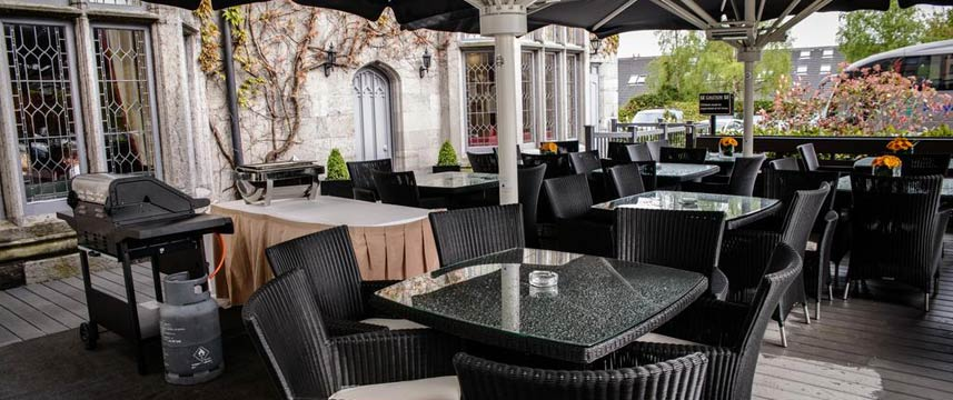 Clontarf Castle Hotel - The Terrace Tables