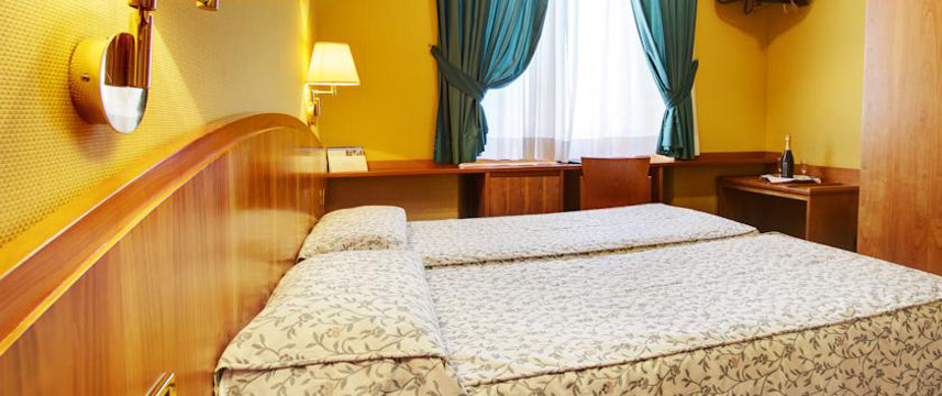 Corot Hotel - Twin Bedroom