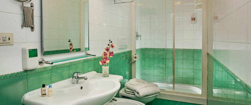 Cosmopolita Hotel - Bathroom