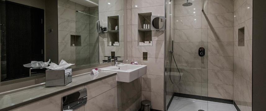 Crowne Plaza Aberdeen Airport - Shower Room