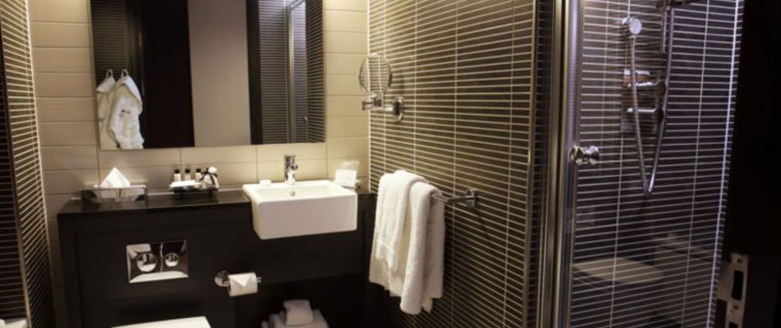 Crowne Plaza Birmingham Bathroom