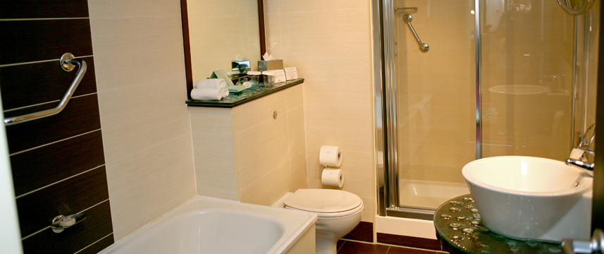 Crowne Plaza Dublin Northwood Bathroom