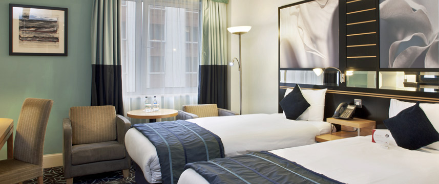 Crowne Plaza Dublin Northwood Twin Room
