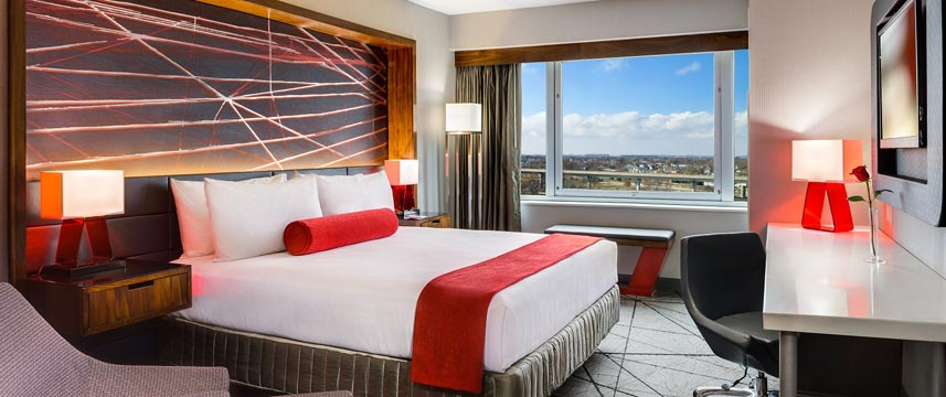 Crowne Plaza JFK Airport - King Deluxe Room