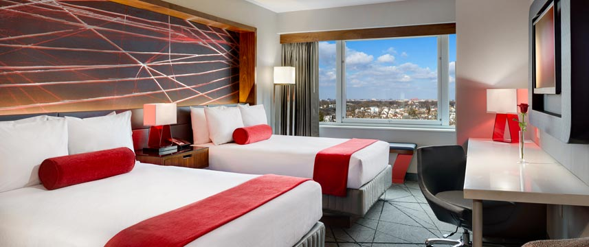 Crowne Plaza JFK Airport - Two Queen Bed Room