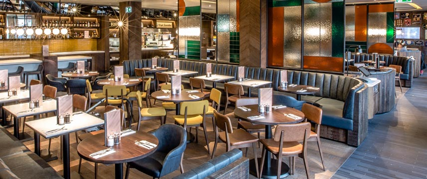 Crowne Plaza Kings Cross Belgo Restaurant Seating