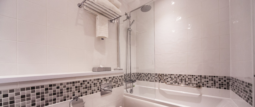 Crowne Plaza Leeds - Bathroom