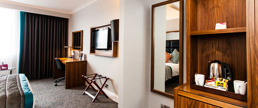 Crowne Plaza Leeds - Bedroom Amenities