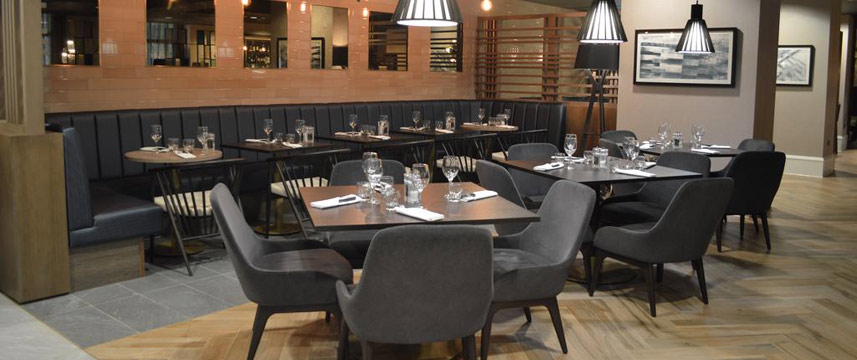 Crowne Plaza Leeds - Restaurant Tables