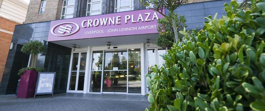 Crowne Plaza Liverpool John Lennon Airport - Entrance
