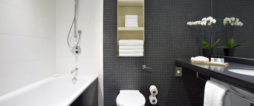 Crowne Plaza London Docklands - Bathroom
