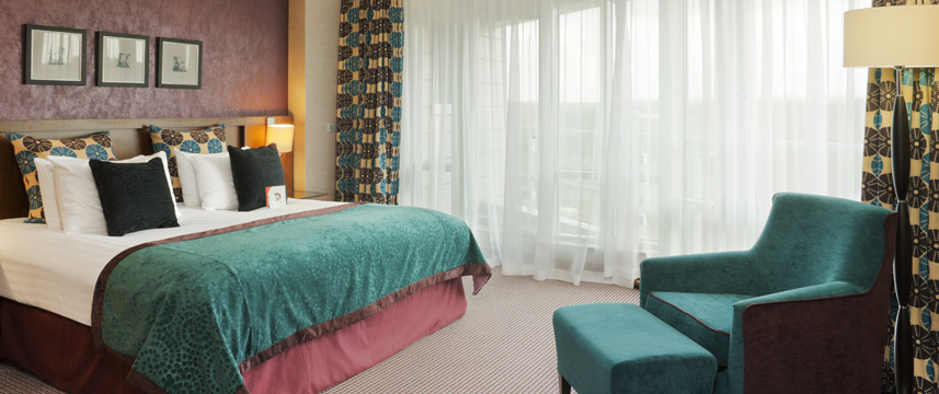 Crowne Plaza London Gatwick Airport - Bedroom