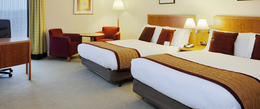 Crowne Plaza London Heathrow - Family Room