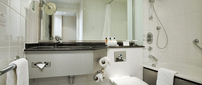 Crowne Plaza London Heathrow - Standard Bathroom