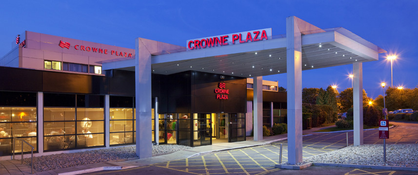 Crowne Plaza Manchester Airport - Exterior