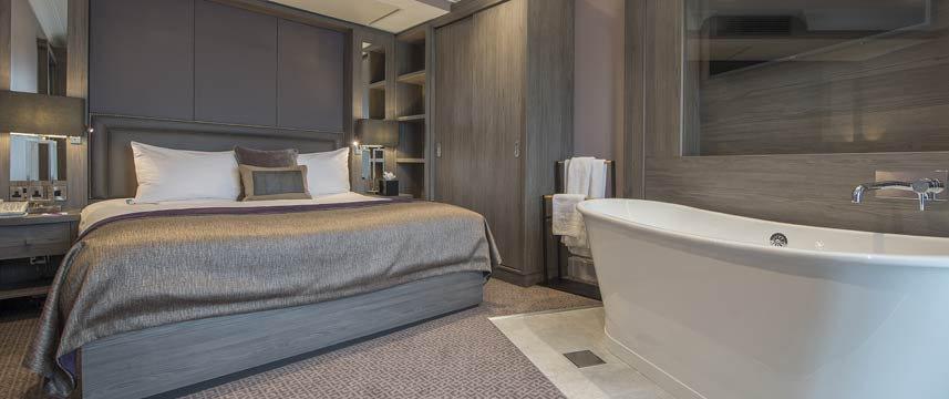 Crowne Plaza Sheffield Bedroom With Bath