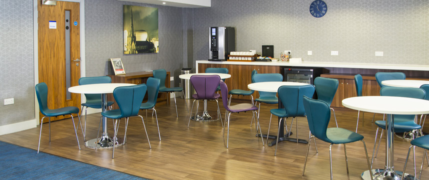 Express Snow Hill Breakfast Area