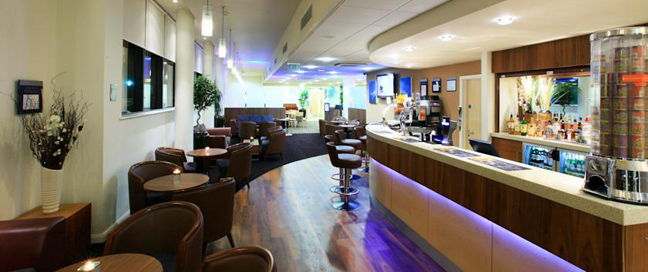 Express by Holiday Inn Cheltenham Bar