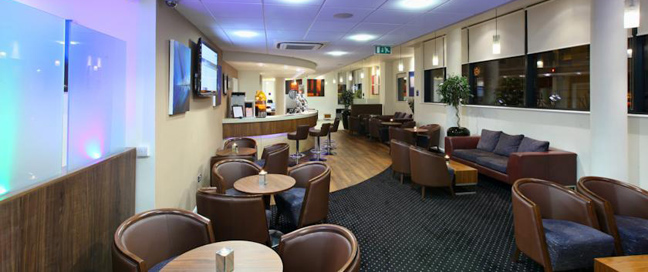 Express by Holiday Inn Cheltenham Bar Area