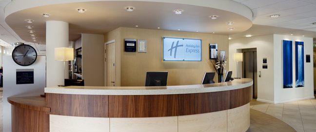 Express by Holiday Inn Cheltenham Reception